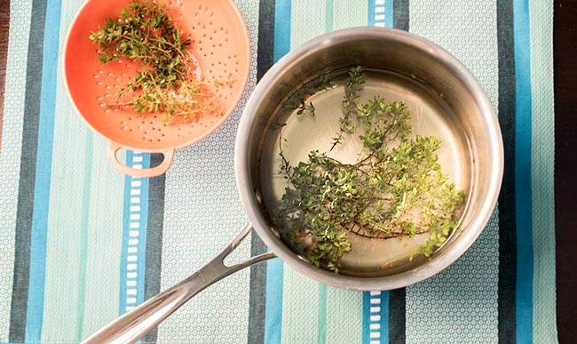 easy-thyme-simple-syrup