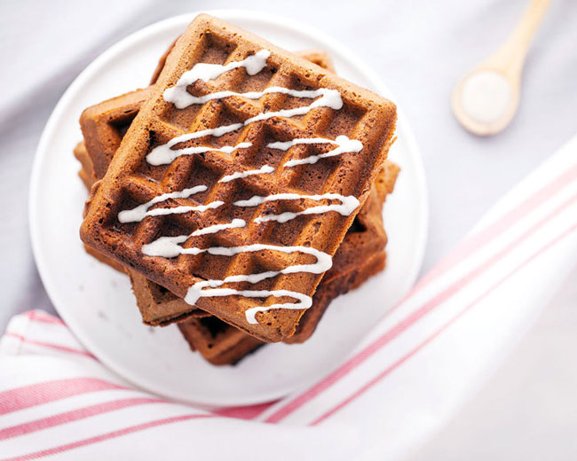 Gluten+Free+Gingerbread+Waffles+with+Maple+Cinnamon+Drizzle+-+Natural+Girl+Modern+World+-+5