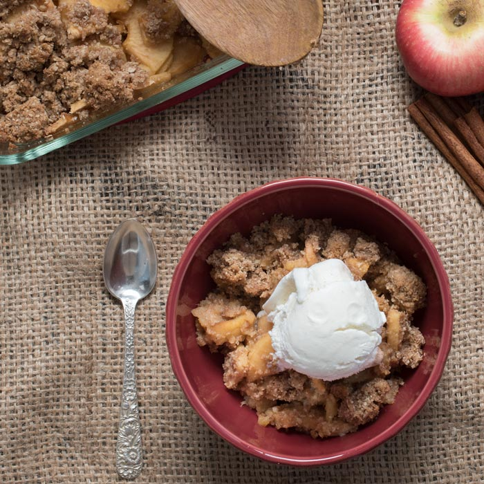 how-to-make-homemade-apple-crisp-700-square