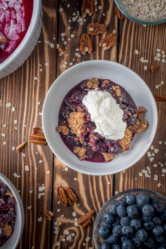 how to make blueberry crisp with fresh or frozen blueberries