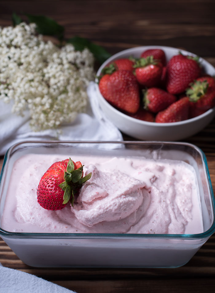 learn how to make strawberry ice cream