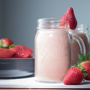 vegan chocolate strawberry smoothie